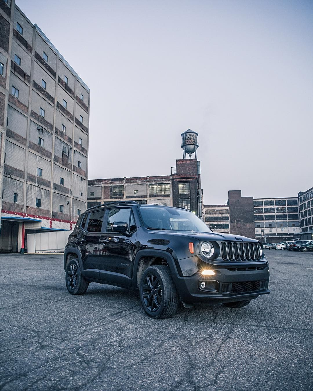 The Jeep Renegade Dawn Of Justice Special Edition Is Here To Fight Boring Commutes Batmanvsuperman Daw Jeep Renegade Jeep Renegade Black Jeep Life