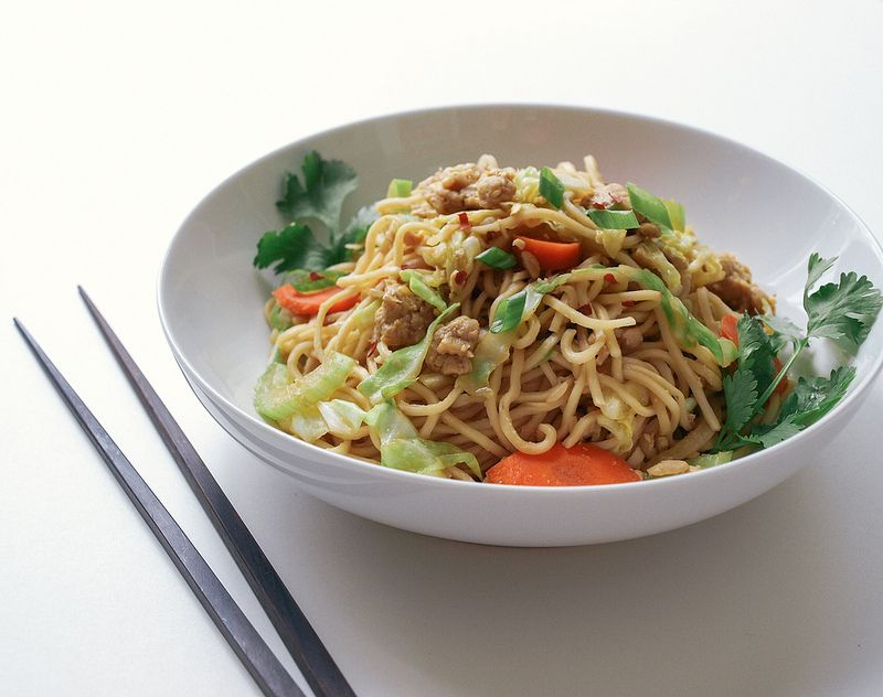 Tempeh Chow Mein The Simple Veganista Recipes Vegan Recipes Chow Mein Recipe