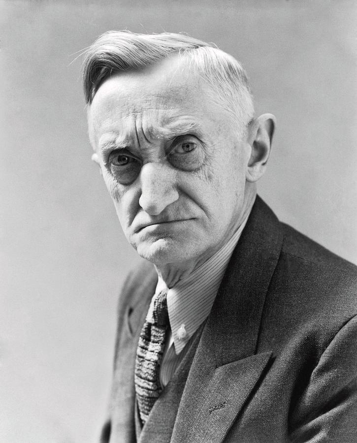 1930s Portrait Of Frowning Elderly Man Old Man Portrait Portrait Face Photography