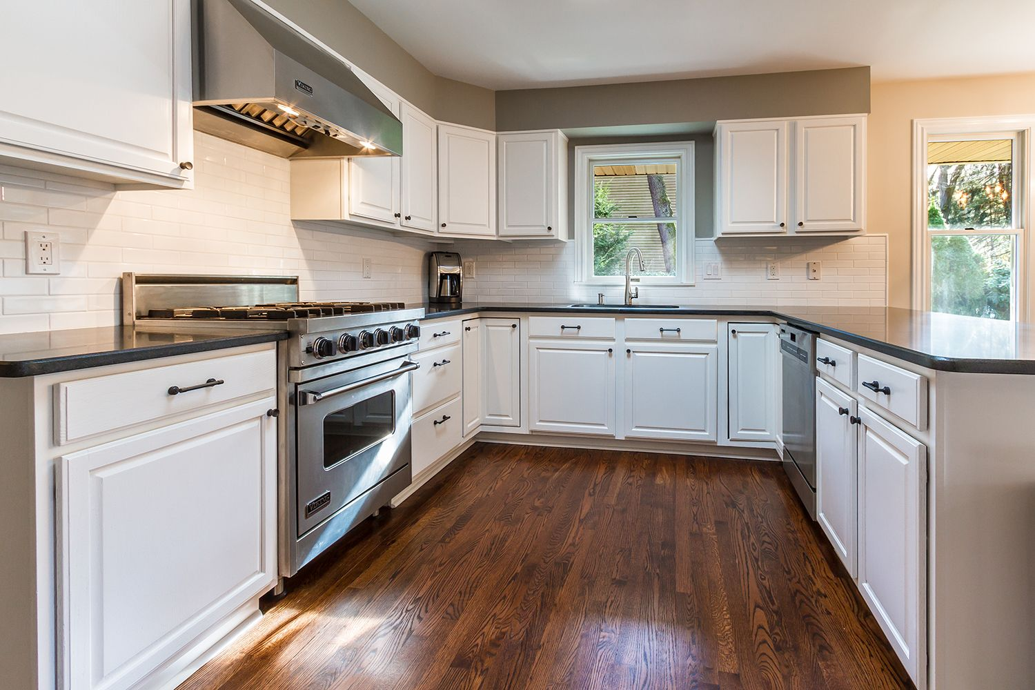 Cherry Hill Painting Knows How To Make A Kitchen Look Great! Just Look How  Beautiful