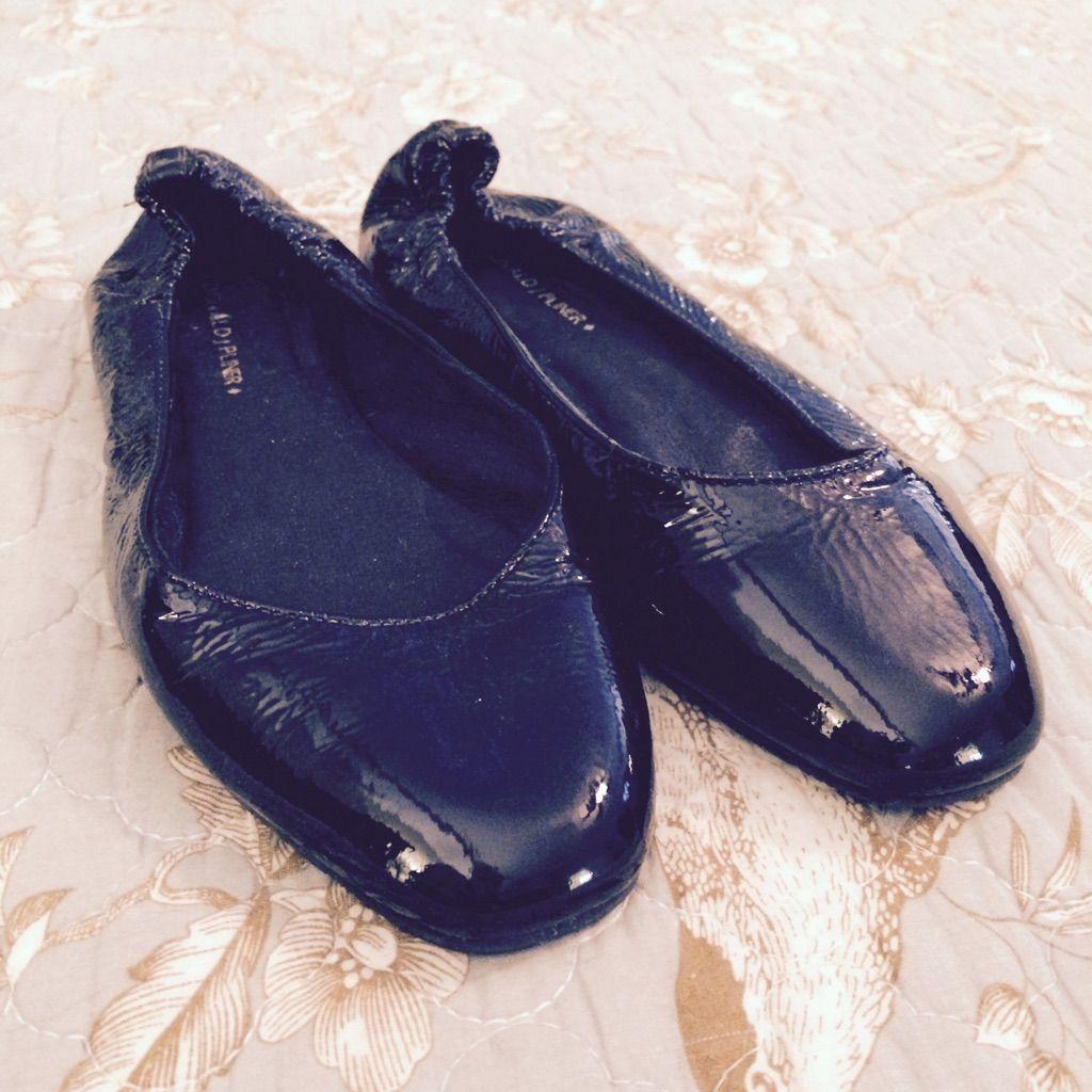 Donal J. Pliner. Patent Ballet Flats.