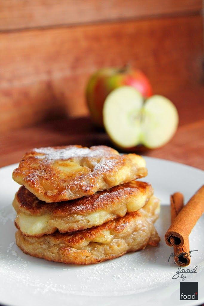 Vegan pancakes with apples and cinnamon