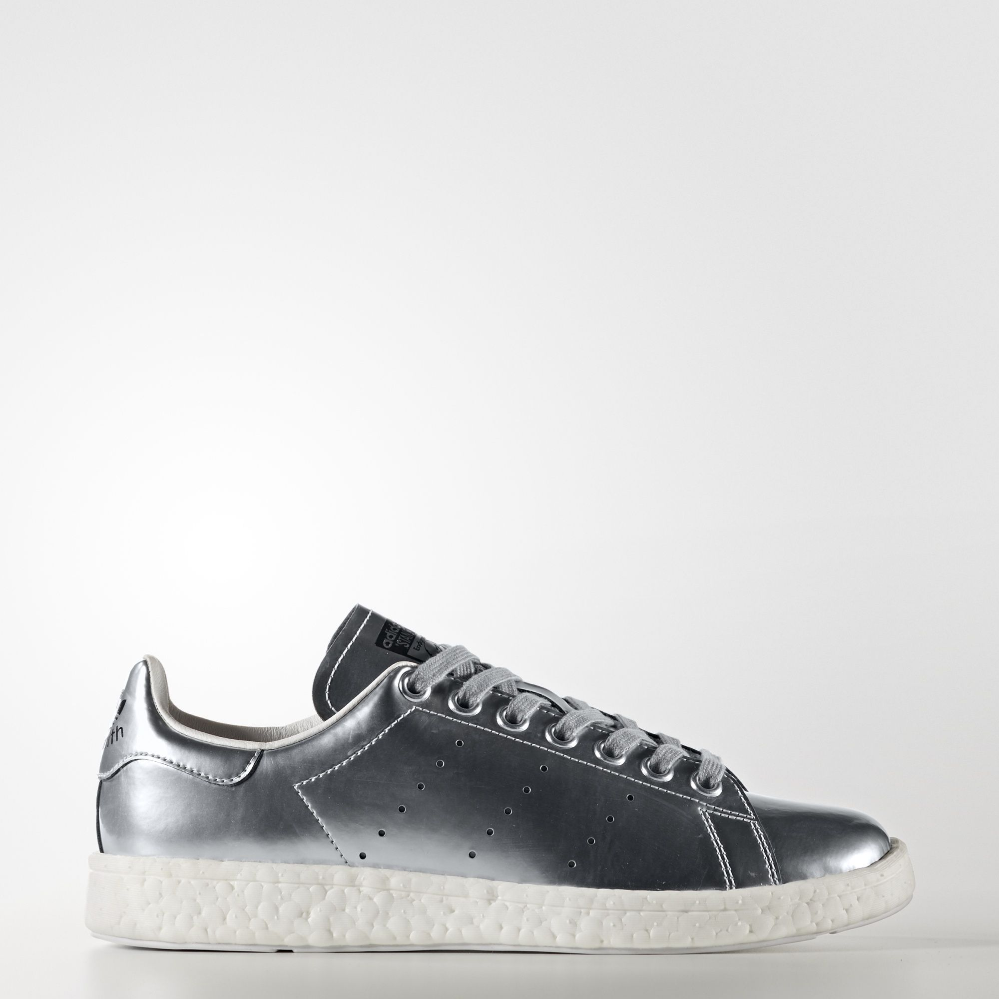 super popular 85ed2 b84a6 The first-ever leather tennis shoe, the Stan Smith quickly became a legend,  much like its namesake. Since its introduction in the  70s, the Stan Smith  has ...