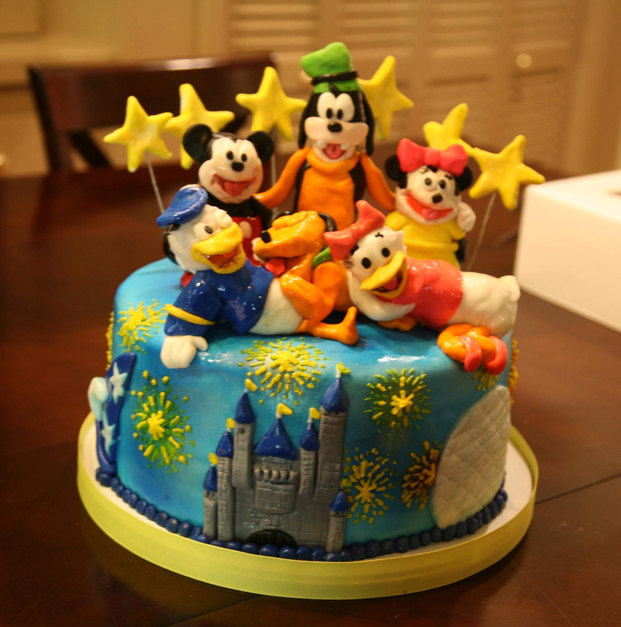 Disney World birthday cake Mehana Pinterest Birthday cakes