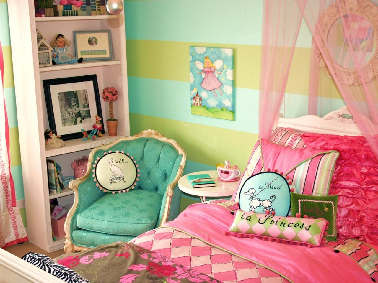 French Themed Decorating Ideas Part - 42: Green Wall Themes With Pink Bed Having Pink Valance Plus Blue Chairs And  Round White Bedside Table Also Shelves, Beautiful Ideas Of Diy Teenage Girl  Bedroom ...