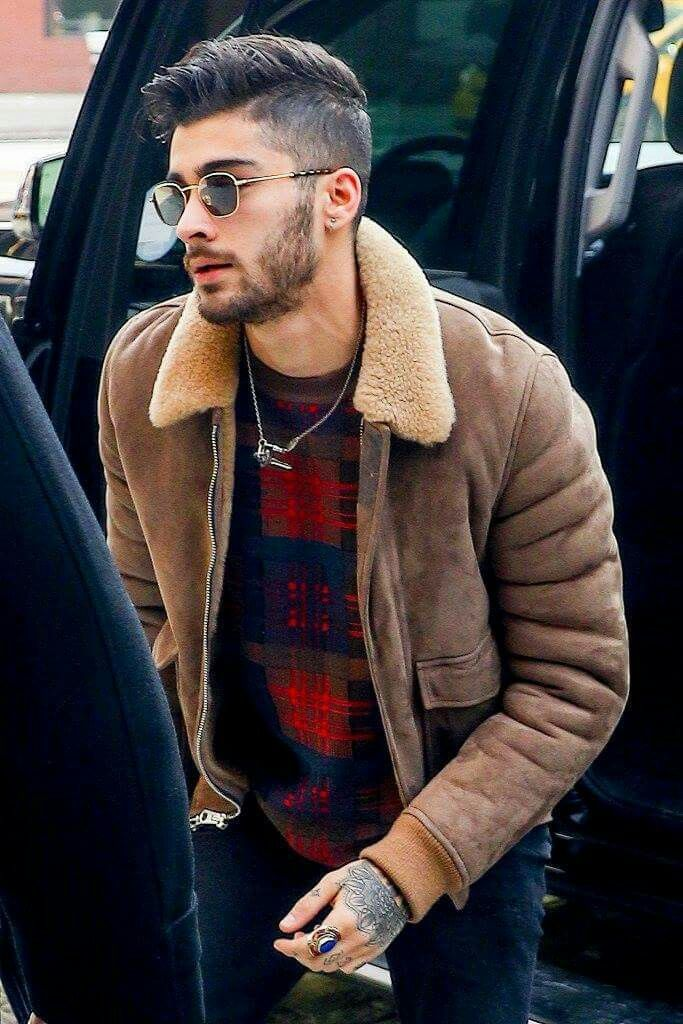 Zayn Stops By Elvis Duran To Talk About Idwlf His Book And More