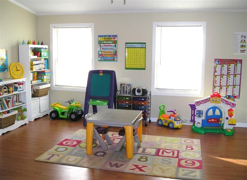 organizing & decorating a homeschool/playroom on a budget | playrooms