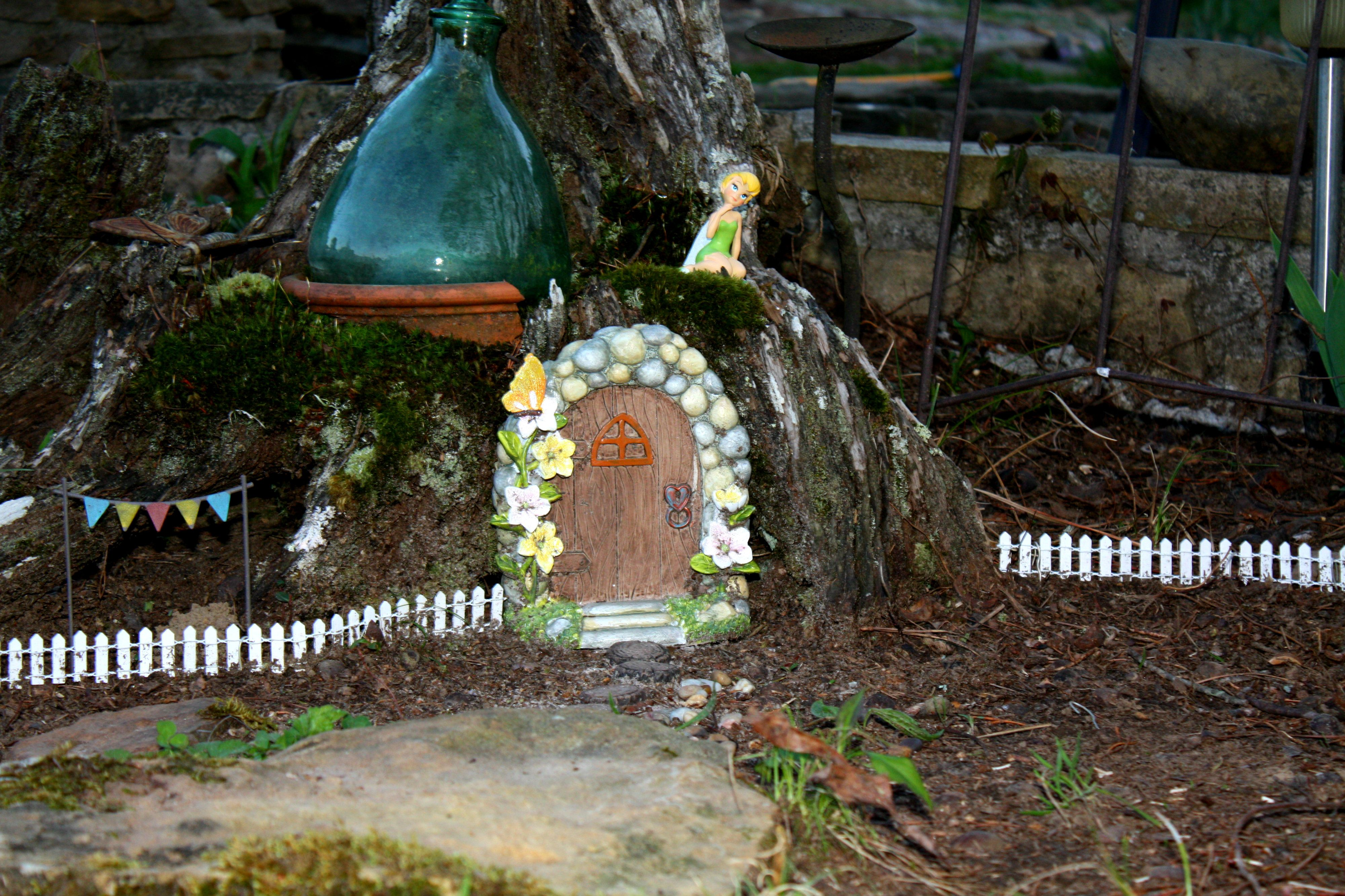 Hobby Lobby door and fence :) instant fairy garden ...