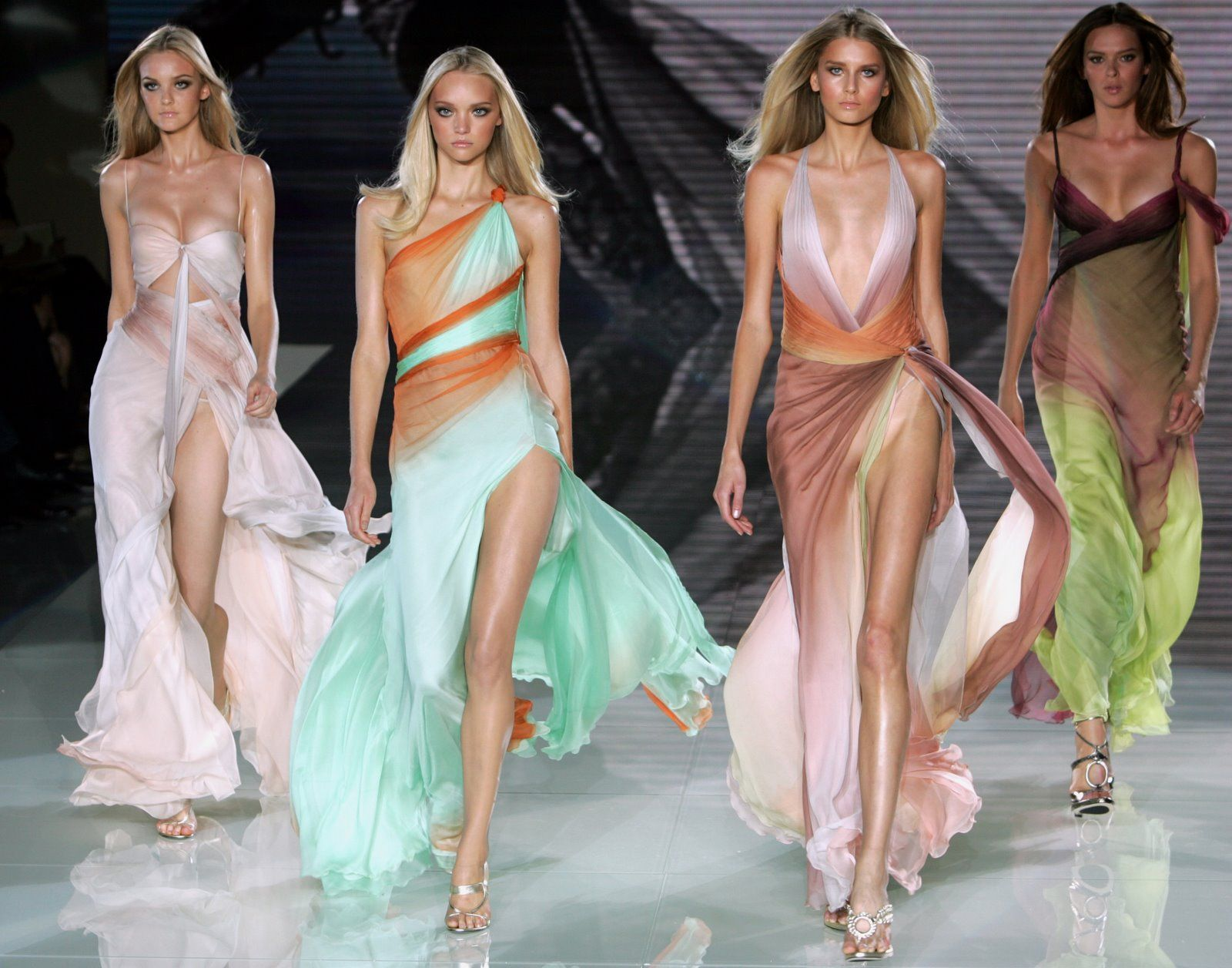 <3 Versace - Love the green dress