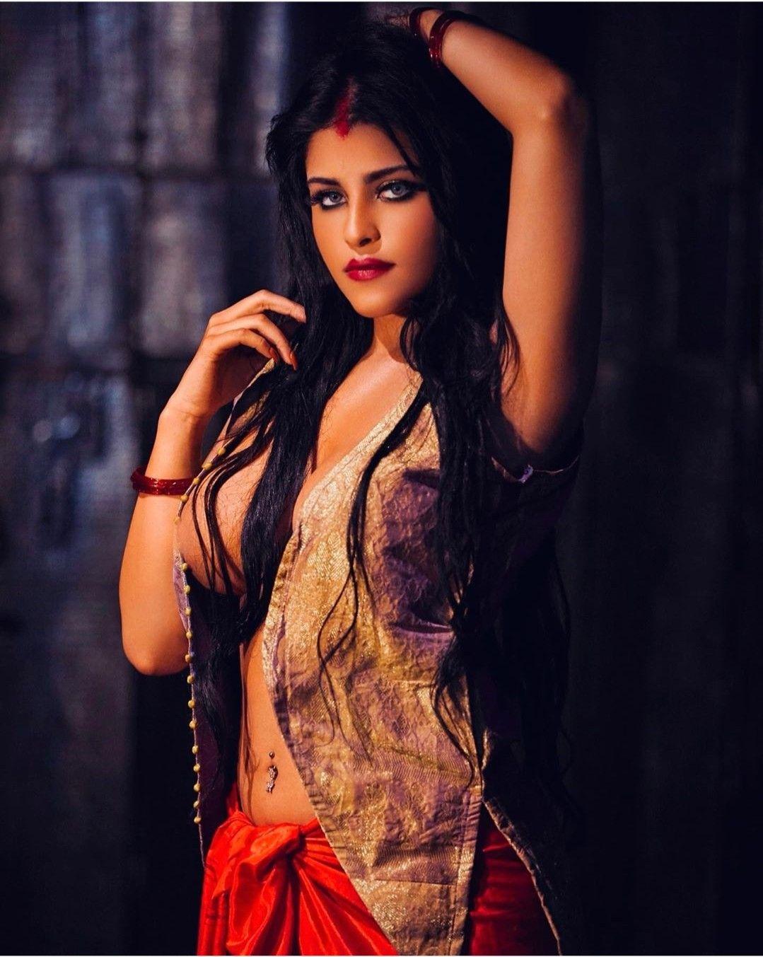 Sridevi in Nagina   Vintage bollywood, Indian actress