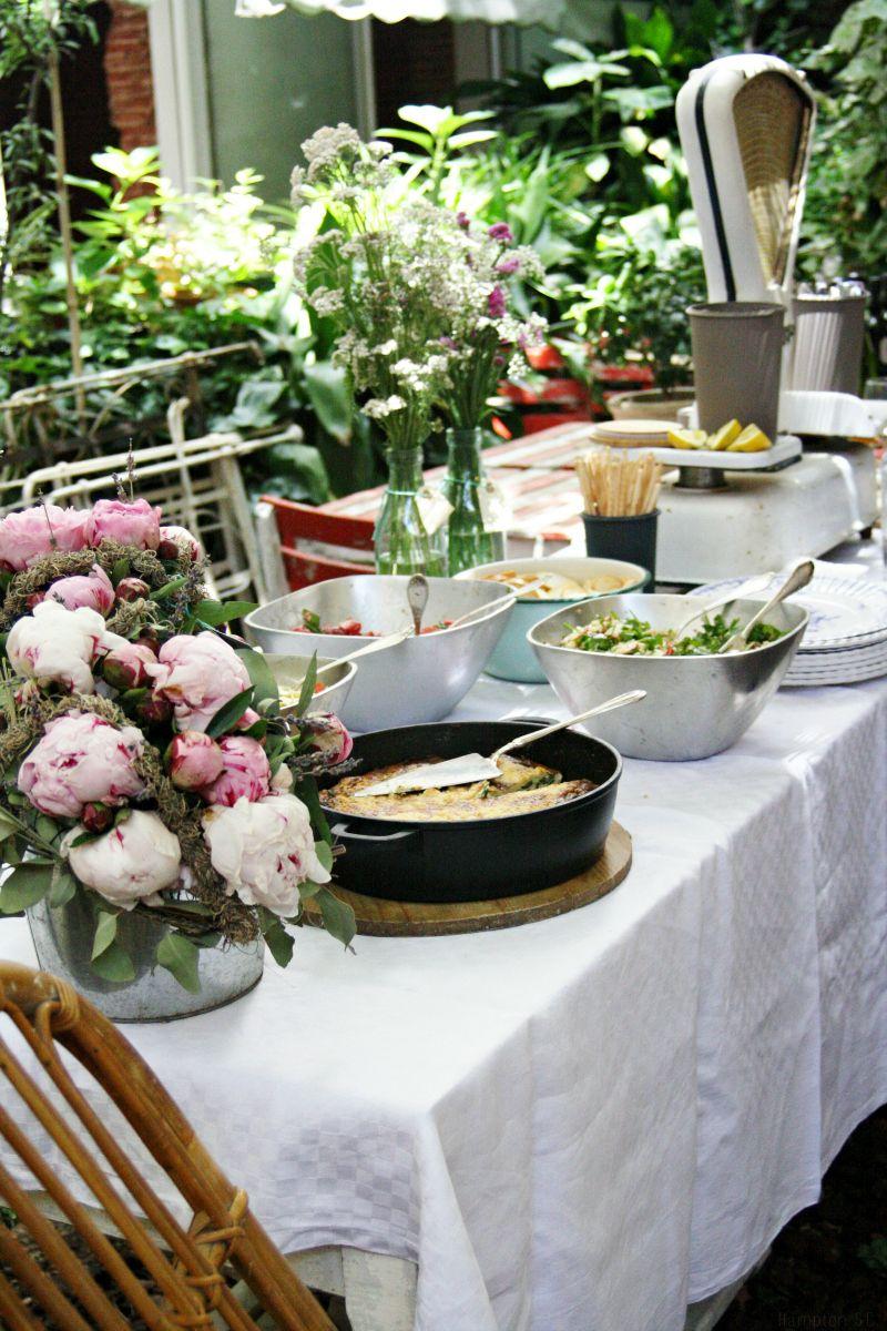 Y Llegó El Verano Fiestas En Jardin Fiesta En El Jardín Mesas De Buffet