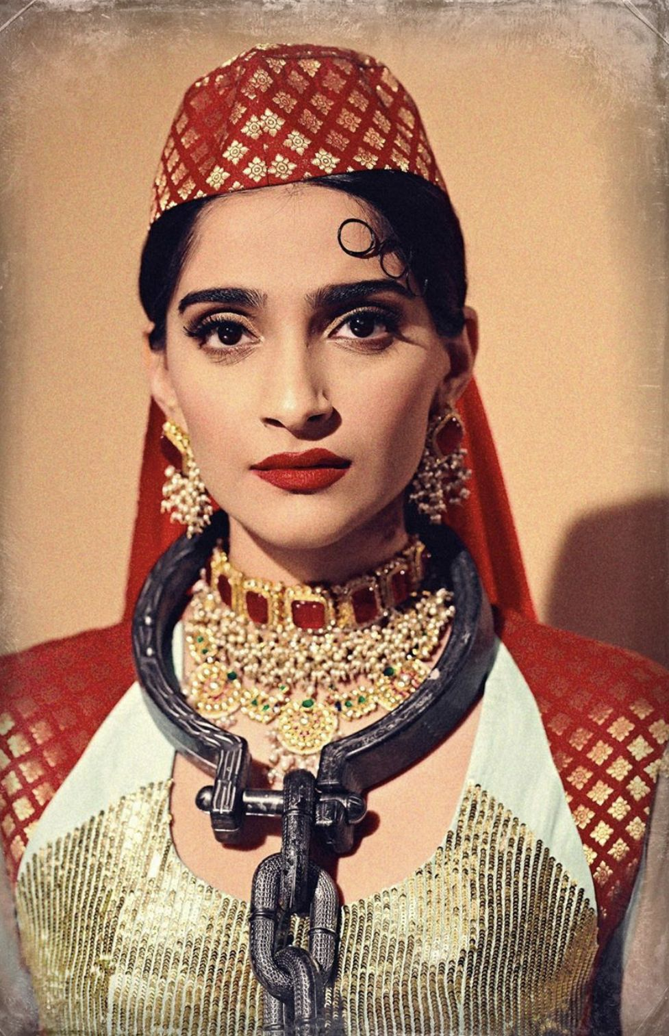 Pin by OneLoveMySelf on sonam kapoor.. Sonam kapoor