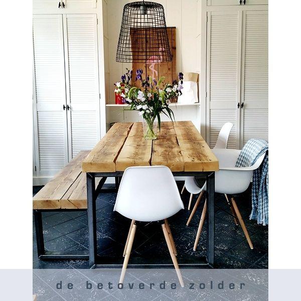 eettafel timber oude balken met robuust stalen frame woonkamer