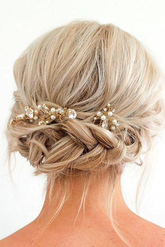 33 Amazing Prom Hairstyles For Short Hair 2020 Beautiful Bridal Hair Wedding Hairstyles Bridesmaid Short Hair Updo