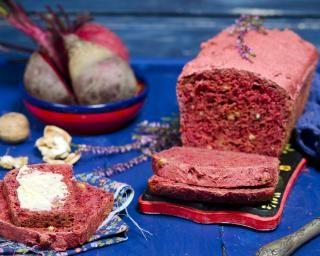 Cake à la betterave et aux noix