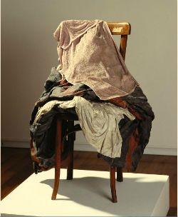 """Exposició """"Antoni Tàpies. Col·lecció. Objectes""""   Fundació Antoni Tàpies (Barcelona) Des del 5 de febrer fins al 28 de setembre"""