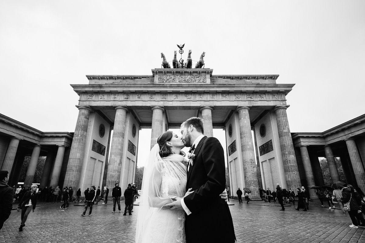 Ermelerhaus Hochzeit Berlin Mitte Hochzeitsfotograf Berlin In 2020 Hochzeit Berlin Hochzeitsfotograf Brautpaar Fotos
