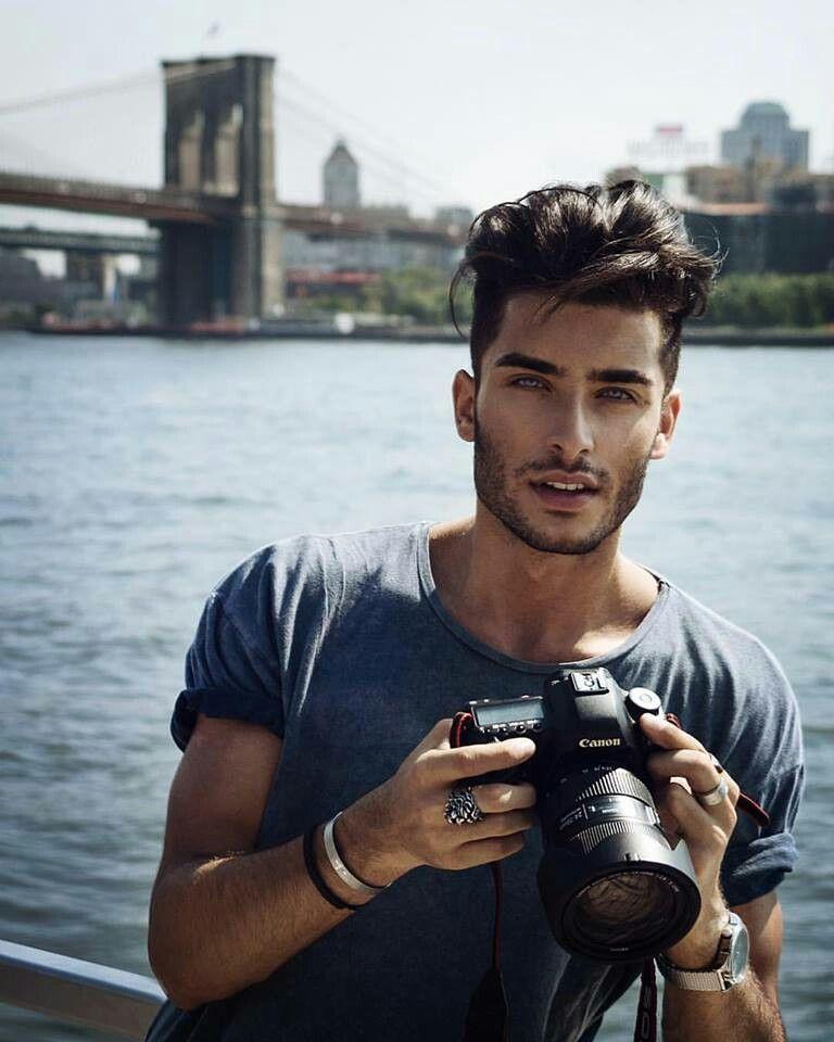 Toni- See photographer.