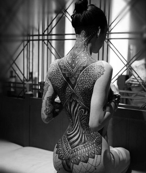 Photo Tattoo Feminin Dos Complet Et Fesses Tres Reussi Tatoo