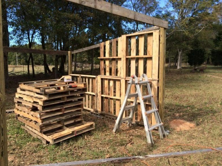 Georgia Man Turns Pallets Into a Rustic Tiny House Cabin