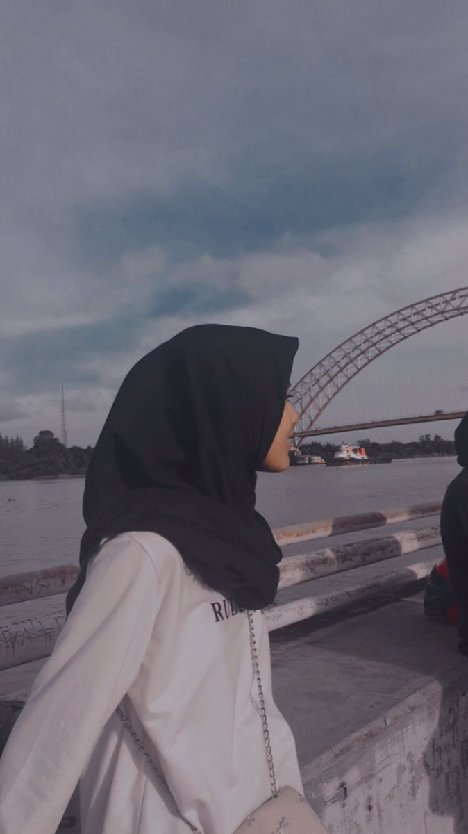 Foto blur aesthetic hijab pinterest hashtags and accounts. Aesthetic Girl Hijab Fotografi Potret Diri Gambar Estetika