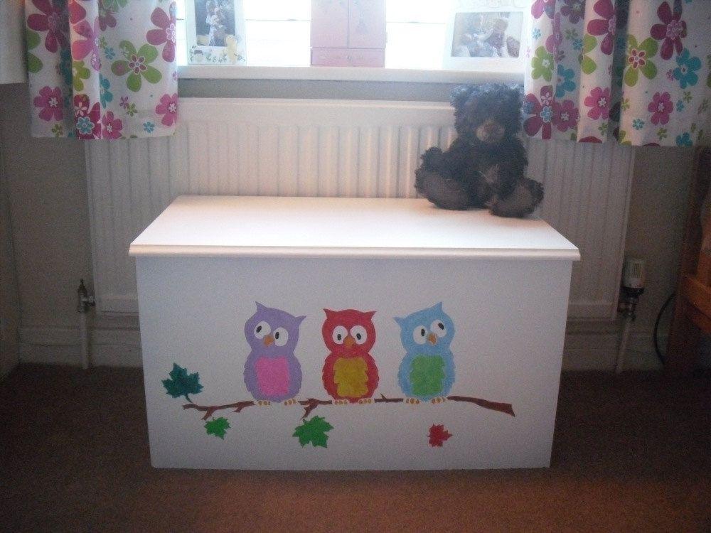 Owl nursery wall art stencils on toy box   Baby Kelly   Childrens ...