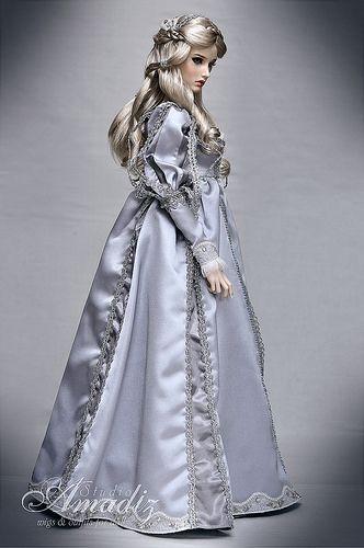 Fashion Dolls  ......47.22.6 qw