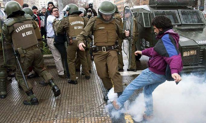 Télam - Chile: con trece marchas estudiantiles se cumple el paro nacional de la enseñanza