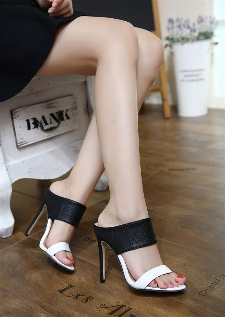 4111f1ee72aa 25 Women s Sandal Ideas for Spring for All Occasions ...