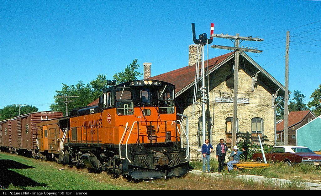 RailPictures Net Photo: MILW 452 Milwaukee Road EMD MP15AC
