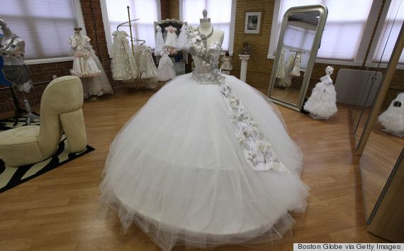 80 pound wedding dresses and blinged out toilet paper for Blinged out wedding dress