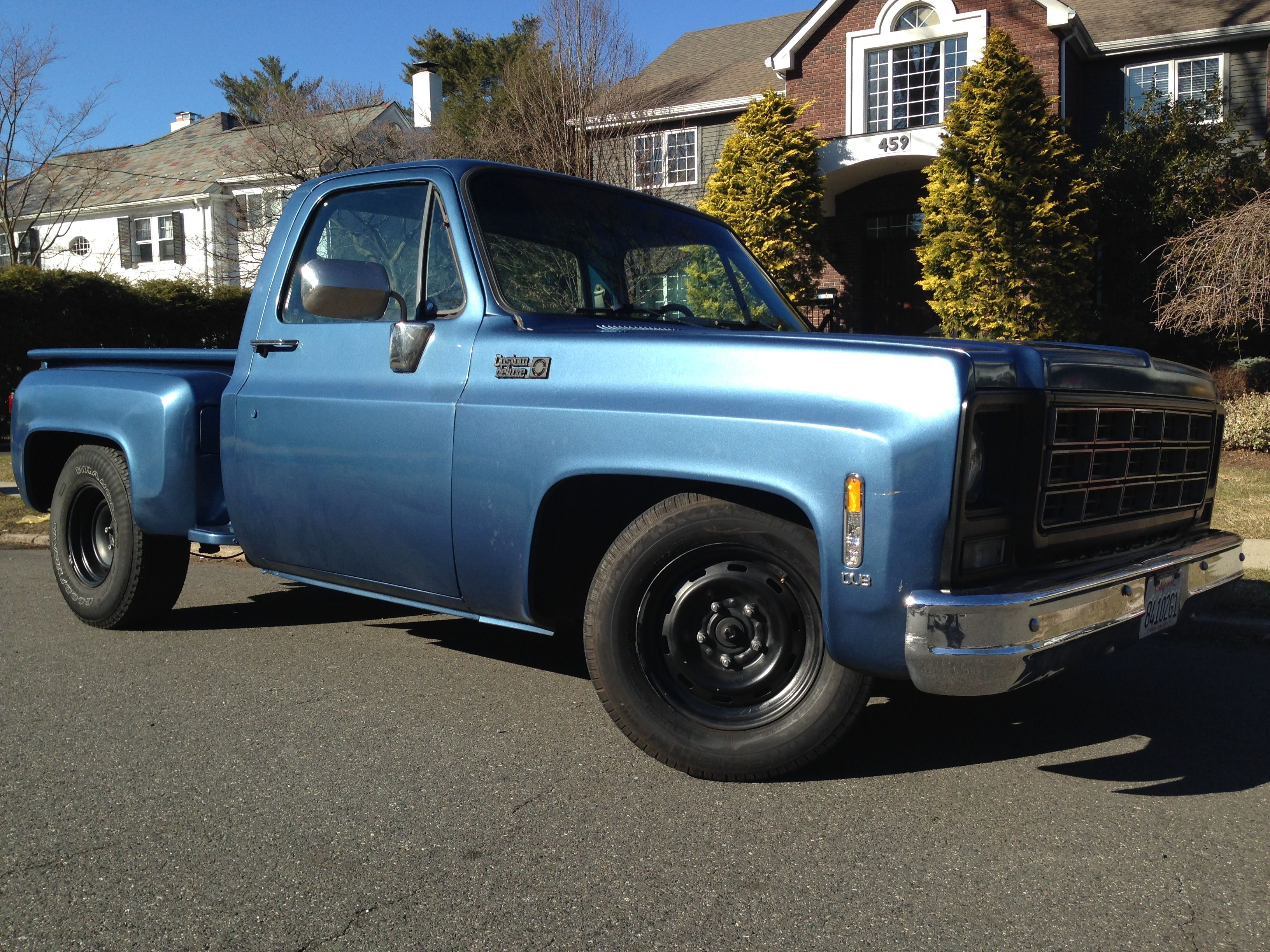 1979 chevy c10 stepside pickup lowered