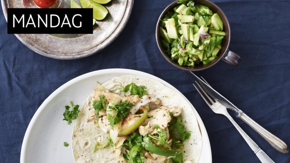 DEILIG KYLLING: Fajitas lages vanligvis med oksekjøtt, men denne varianten med kylling er også nydelig. Og så er det skikkelig rask hverdagsmat.