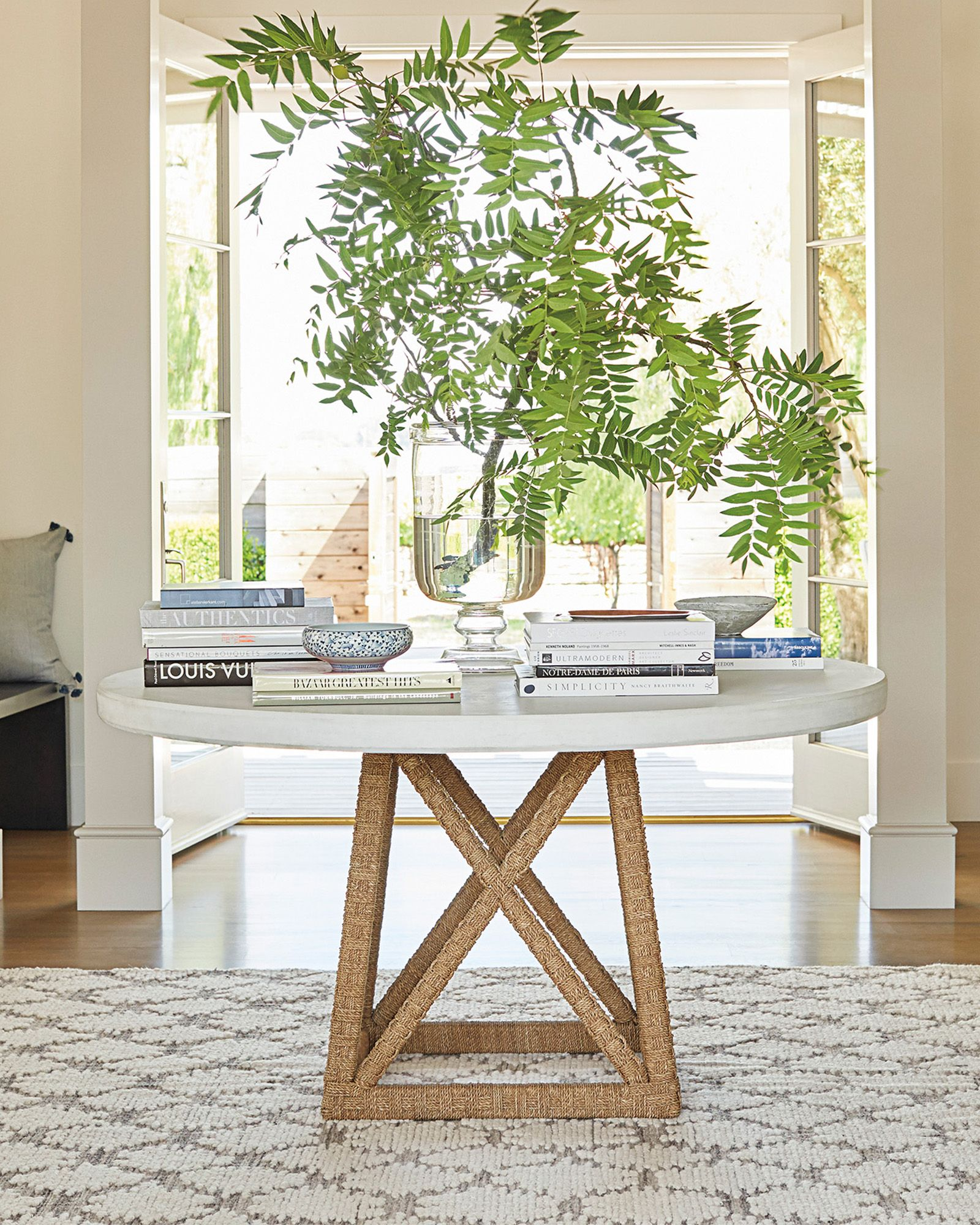 Thornhill Round Dining Table