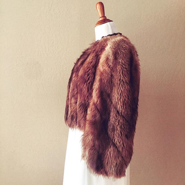 This #1930s fur bolero jacket will be joining #therosetimeofday this afternoon. . . . . . #vintageshop #vintagelove #1930sfashion #1930sstyle #1940sfashion #1940sstyle #pursuepretty