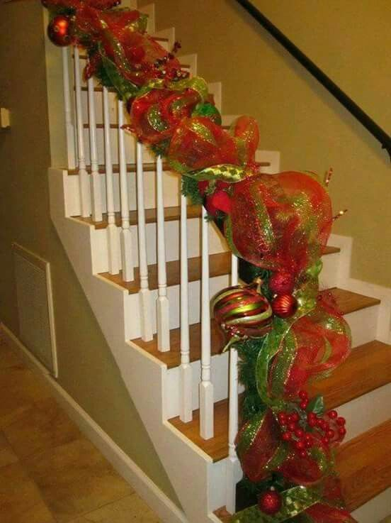 christmas staircase with mesh garland - Decorating Banisters For Christmas With Ribbon