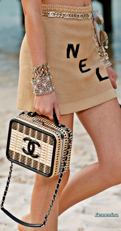 d440ea29da7e Chanel Spring Summer 2019 RTW -Details  bag accessories