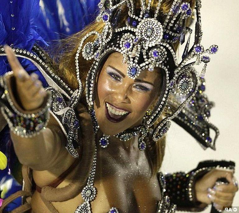 Откровенные бразильские девушки онлайн фото 451-220