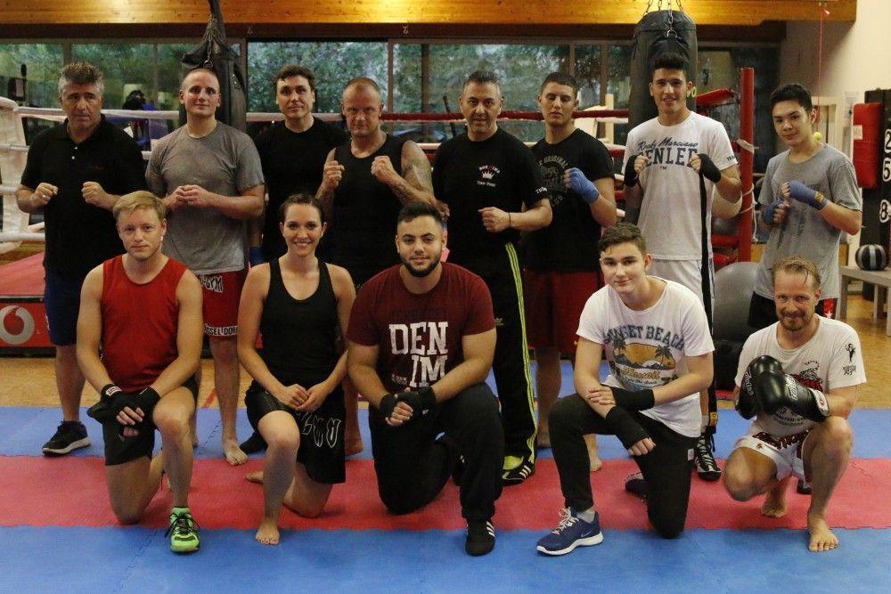 Unsere Vereine Heute Das Boxteam Yoshi Aus Dusseldorf Yoshi Box Trainieren