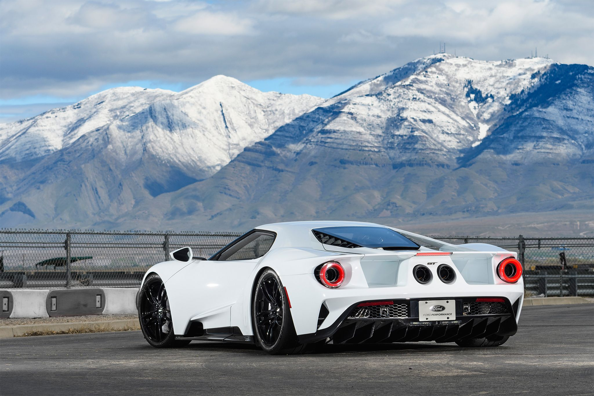 The 25 best ford gt price ideas on pinterest 2015 shelby gt500 mustang 2015 price and ford mustang 2015 price