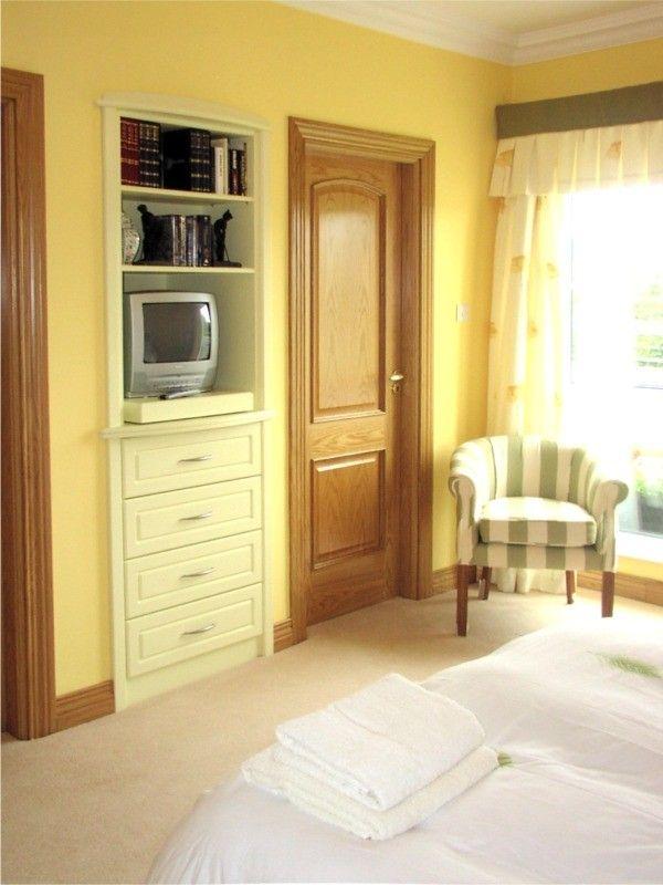 bedroom furniture shelves