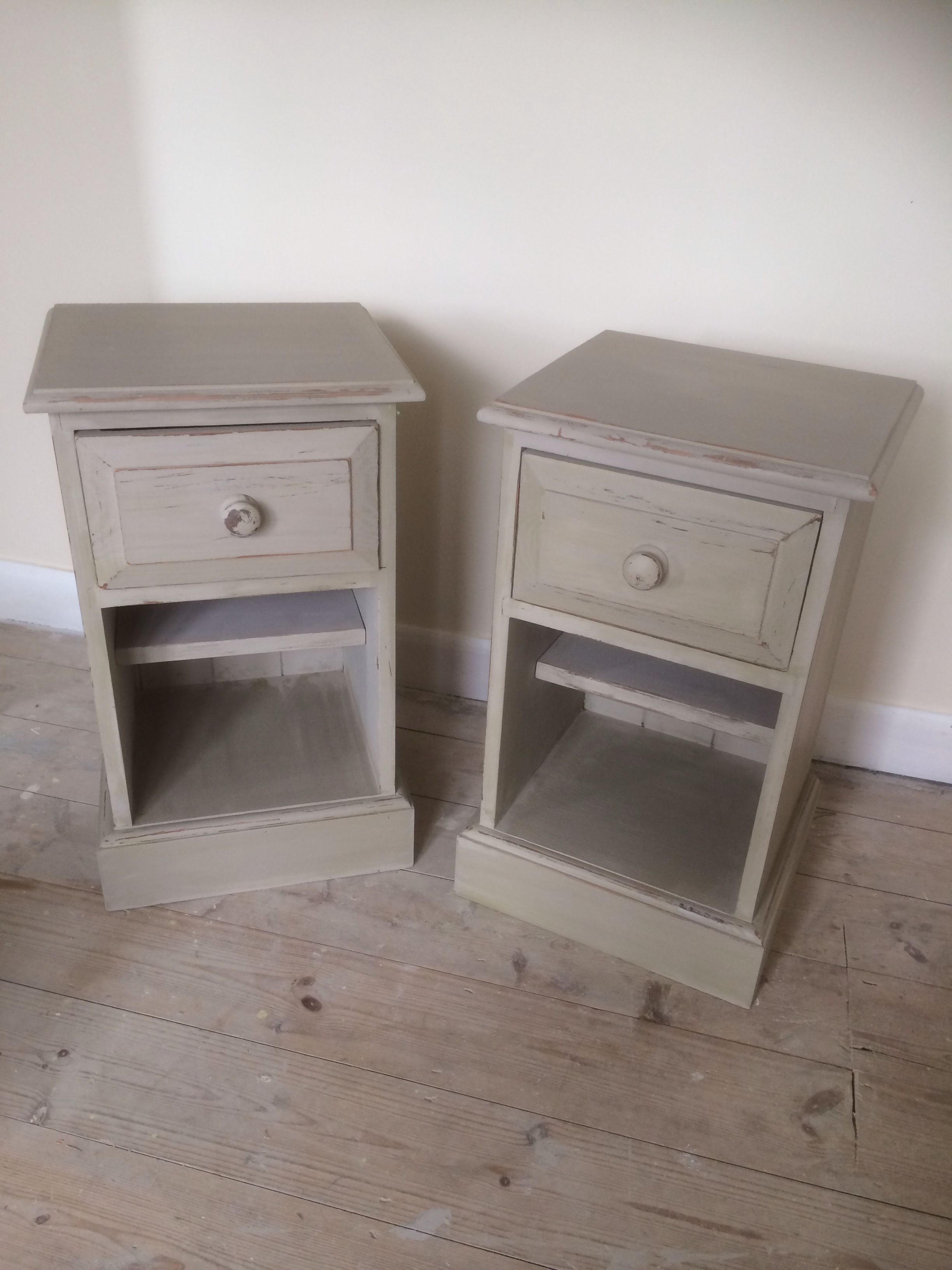 Cream Bedside Tables: My Dark Brown Bedside Tables Are Now Shabby Chic! I Used A
