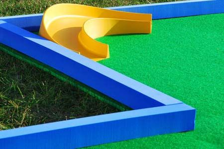 how to build a portable putt putt course