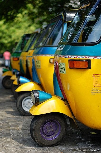 Brightly Coloured Vehicles In India Www Travel4life Club India Culture Amazing India India Travel