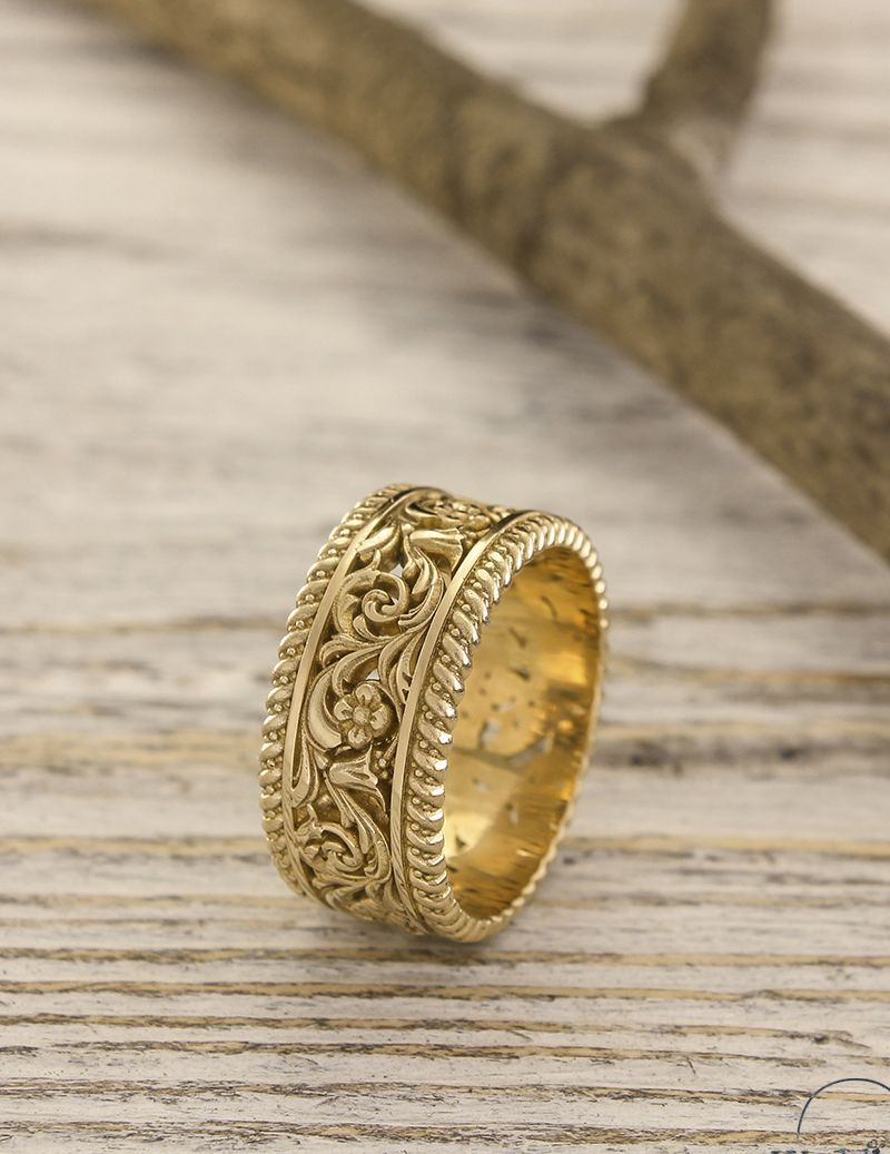 Unique Gold Wedding Band With Flowers And Leaves Unusual Etsy In 2020 Unique Wedding Bands For Women Unique Gold Wedding Bands Womens Wedding Bands