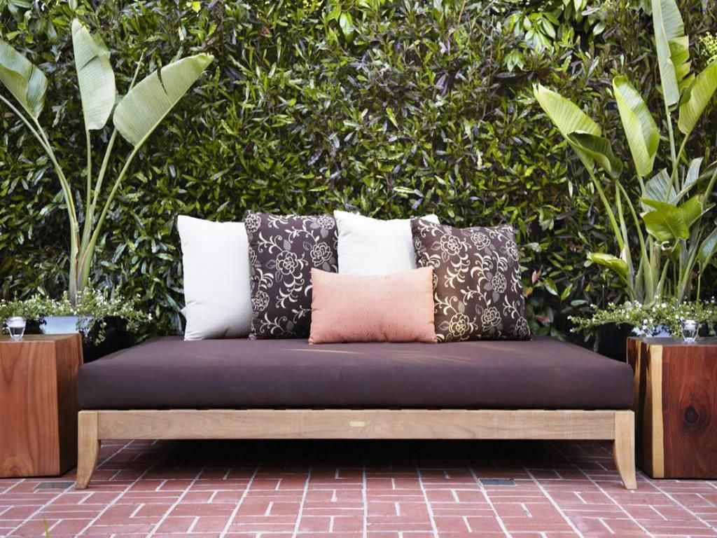Bust of Outdoor Daybed Mattress: Style and Comfort Maker for Your Outdoor Spot