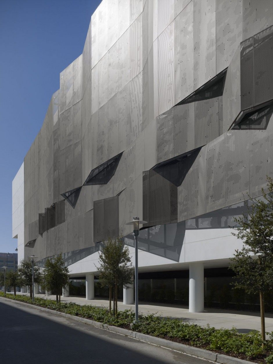 Ucsf Mission Bay Parking Structure Contemporist Facade Architecture Architecture Facade Design