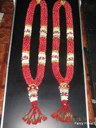Image Result For South Indian Wedding Malai Latest Indian Wedding Garland Garland Wedding Pink And White Weddings