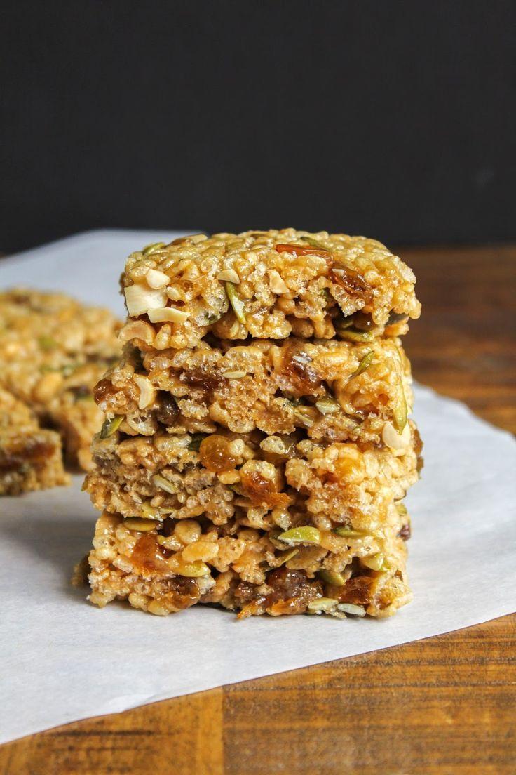 Rice Krispies Fruit and Nut Breakfast Bars | The Chef Next Door #FueledForSchool #ad