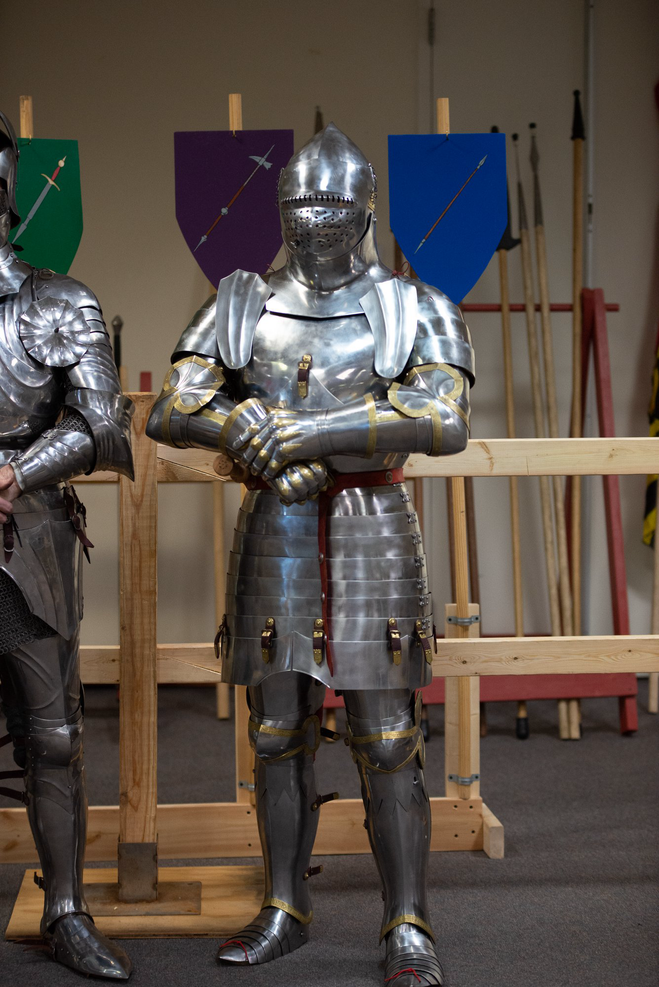 1440s English Armor A Close One To One Reconstruction Of Sir Robert Grushill S Effigy Armor Century Armor Historical Armor Medieval Armor